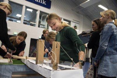 Naturfagsmaraton til Skive og Thisted: 700 elever dyster i opfindsomhed