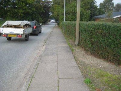 Viumvej i Roslev skal have nyt fortov og asfalt